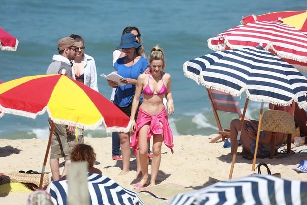 Bianca Bin na praia da Macumba, Rio de Janeiro (Foto: Dilson Silva / Agnews)