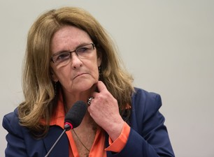 Graça Foster sugeriu que obra foi acelerada para eleição de Dilma