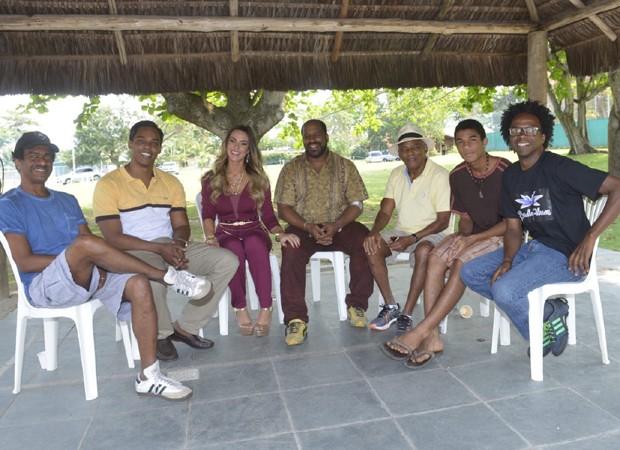Elenco do filme 'Correndo atrás' nos bastidores de filmagens (Foto: Fábio Cordeiro/Ed.Globo)