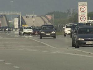 Rodovia Anchieta, na altura de Cubatão, SP (Foto: Reprodução/TV Tribuna)
