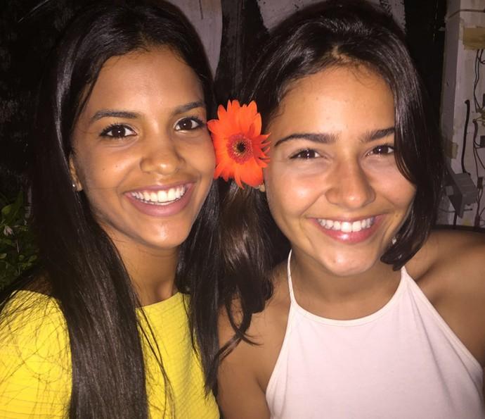 Rayza Alcântara ganha conselhos de Giullia Buscacio, sua irmã em V'elho Chico' (Foto: Arquivo pessoal)
