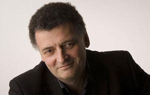 Doctor Who | Steven Moffat guarda segredo sobre a 10ª temporada