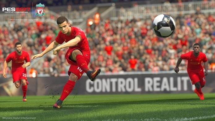 PES 2017 vai ganhar conteúdos oficiais do Liverpool (Foto: Divulgação/Konami)