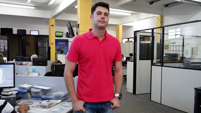 Renato Cury, repórter esportivo da TV Tribuna e Globo Esporte (Foto: Priscila Martinez)