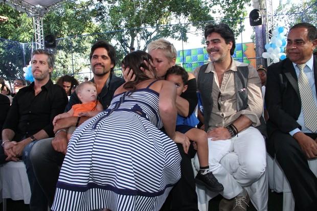 Bruna Marquezine no evento da Fundação Xuxa Meneghel (Foto: THYAGO ANDRADE/FOTO RIO NEWS)