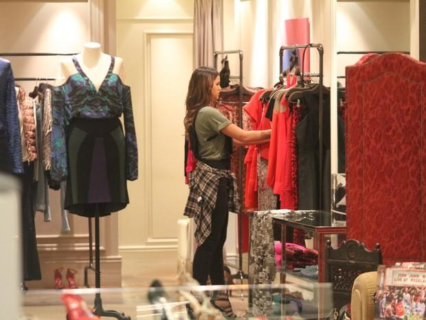 Bruna Marquezine em shopping do Rio (Foto: Wallace Barbosa / AgNews)