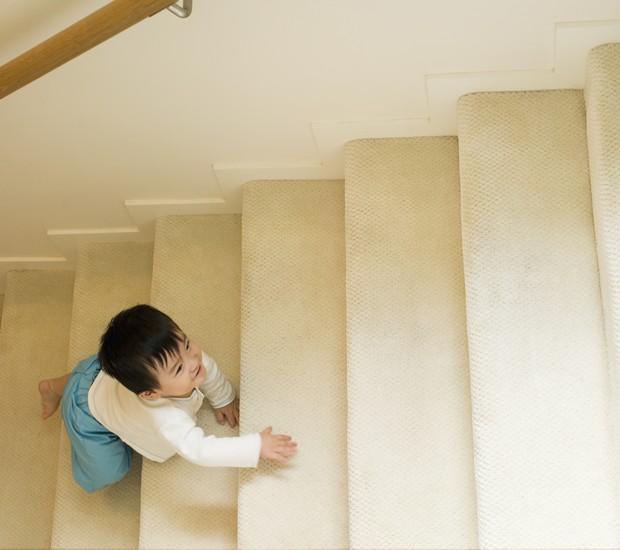 escadas_bebê_cuidados (Foto: Thinkstock)