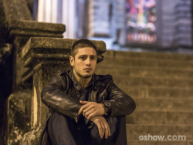 O ator encarna o bad boy João Lucas na segunda fase de 'Império' (Foto: Paulo Belotte/TV Globo)
