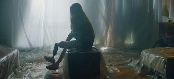Modelo Paola Antonini revive um drama pessoal no novo vídeo de Alok  (Foto: Reprodução)