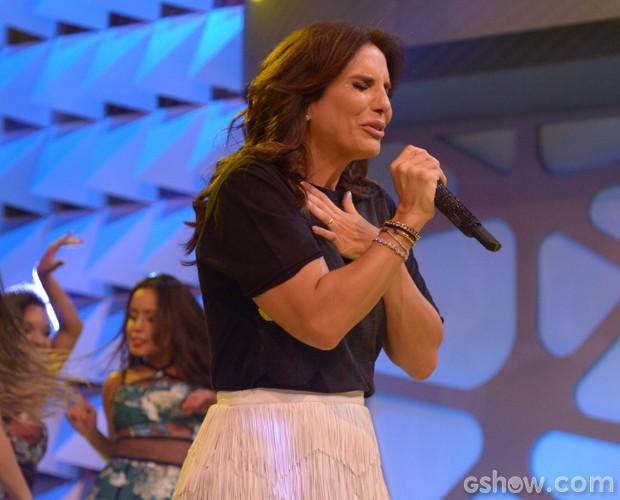 Ivete Sangalo canta chorando no palco do Domingão (Foto: Raphael Dias / TV Globo)