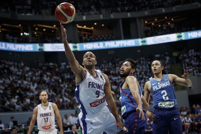 Tony Parker anotou 21 pontos na estreia da França contra as Filipinas (Foto: Divulgação / Fiba)