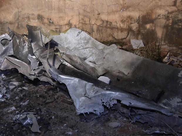 Oito pessoas morreram após avião cair em Cambé (Foto: Reprodução RPC)
