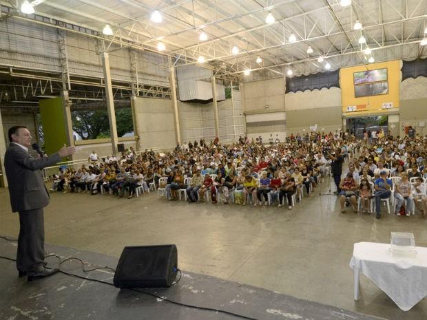 Pedro Bigardi esteve na escolha de vizinhança e falou dos avanços na habitação (Foto: Dorival Pinheiro Filho)