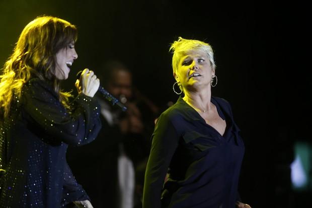 Xuxa, Carolina Dieckmann e Bruna Marquezine sobem ao palco com Ivete Sangalo (Foto: Felipe Panfili e Leo Marinho/AgNews)