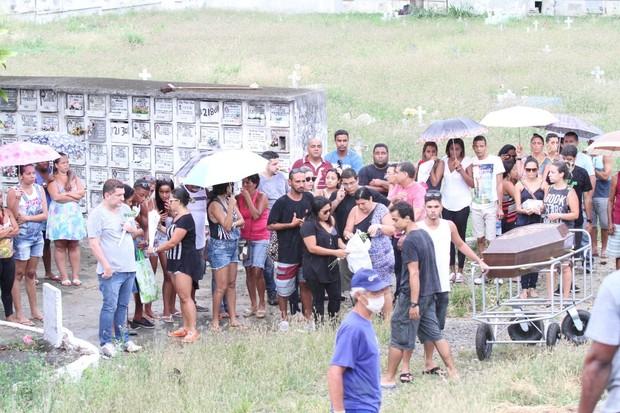Enterro de Elias, Filho de Zeca Pagodinho  (Foto:  johnson parraguez-photorionews)