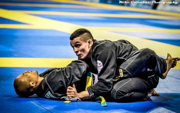 Dudu é campeão da Copa América de Jiu-jitsu Esportivo 2013 (Foto: Mike Calimbas)