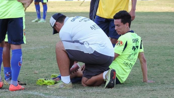 Bebeto, meio-campo do Grêmio Prudente, entrada forte, tornozelo (Foto: João Paulo Tilio / GloboEsporte.com)