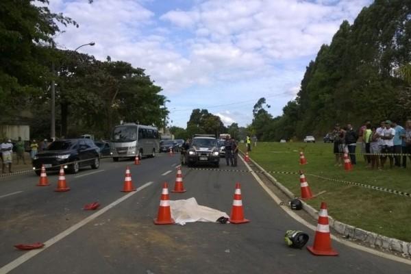 Motociclista morreu em Fundão (Foto: Carlos Alberto Silva/ A Gazeta)