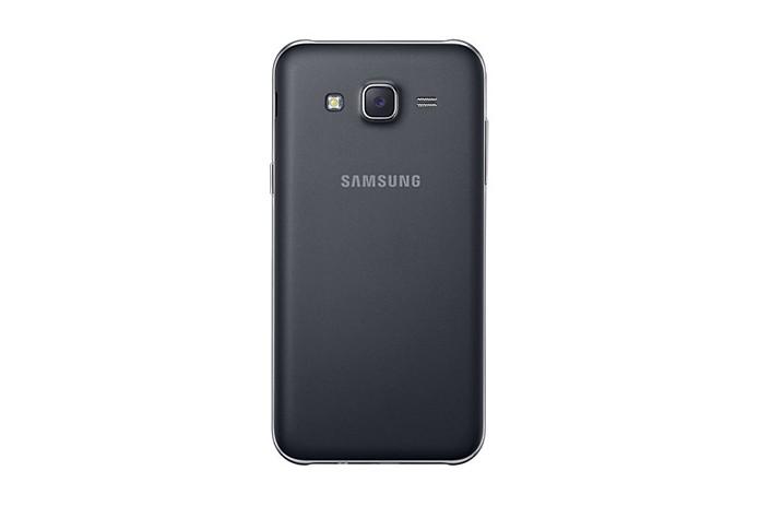 Câmera traseira tende a captar mais luz do que a concorrência (Foto: Divulgação/Samsung)