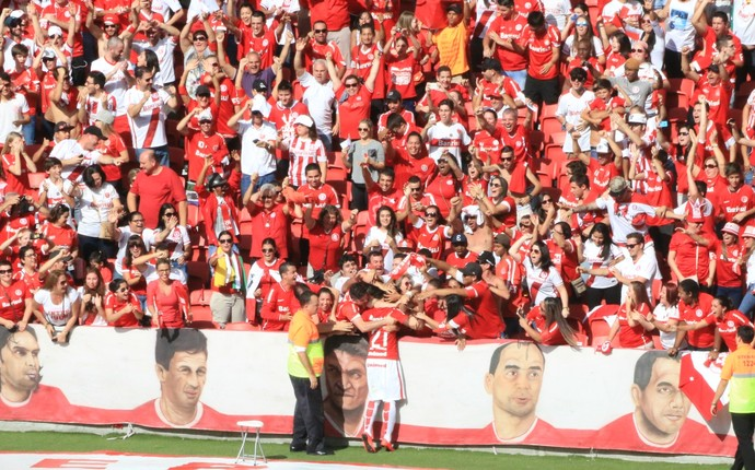 Vitinho atacante Inter Internacional Coritiba Beira-Rio (Foto: Tomás Hammes / GloboEsporte.com)