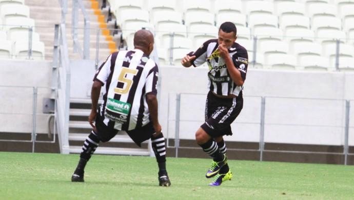 Souza comemora gol Ceará x Horizonte Campeonato Cearense Castelão (Foto: Divulgação/Cearasc.com)