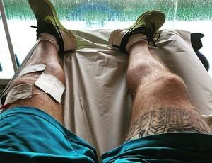 Lesionado em outubrom, Alejo Muniz passou por cirurgia e longo processo de recuperação para para tratar joelho esquerdo (Foto: Reprodução Instagram)