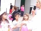 Bruna Marquezine e Sasha aparecem novinhas em vídeo postado por Xuxa