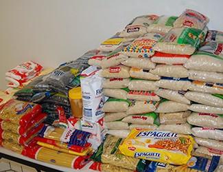 Cestas básicas serão distribuídas para mais de 30 famílias (Foto: Divulgação)