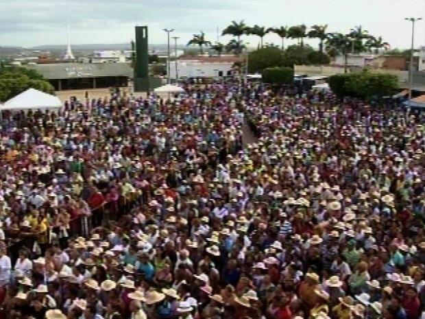 Romaria de Finados reúne cerca de 600 mil pessoas em Juazeiro do Norte (Foto: TV Verdes Mares Cariri/Reprodução)