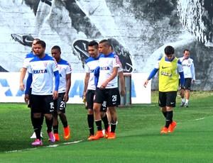 reservas no treino do Corinthians (Foto: Rodrigo Faber)