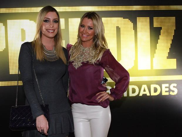 Fabiana Justus e Ana Paula Sieber, respectivamente filha e namorada de Roberto Justus, em programa de televisão em São paulo (Foto: Cláudio Augusto/ Foto Rio News)