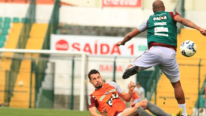 léo lisboa thiago heleno figueirense (Foto: Luiz Henrique / FFC)