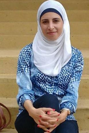 Para a síria Dana Albalkhi, que dá aulas de inglês, conseguir emprego é um dos maiores desafios dos refugiados (Foto: Dana Albalkhi/Arquivo pessoal)