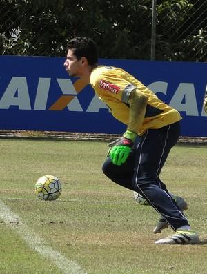 Lucas França, goleiro do Cruzeiro (Foto: Marco Antônio Astoni)
