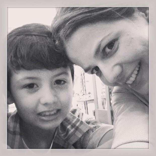 Nívea Stelmann com o o filho (Foto: Instagram / Reprodução)