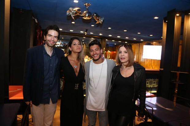 Luiz Fernando Coutinho, Mayra Cardi, Arthur Aguiar e Liège Monteiro (Foto: André Freitas/AgNews)