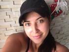 Sem folga! Priscila Pires acorda cedo para correr na praia e mostra decote
