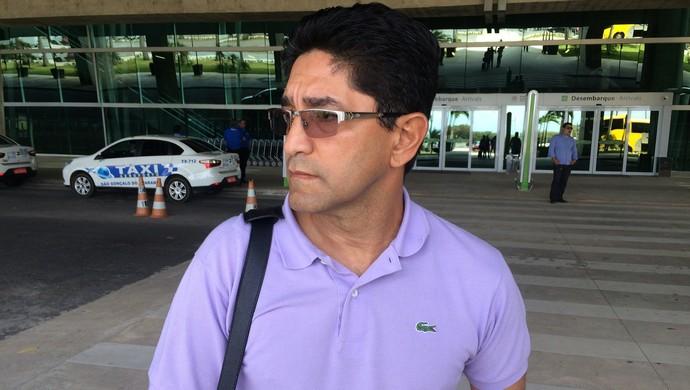 Sérgio China técnico do ABC (Foto: Jocaff Souza/GloboEsporte.com)