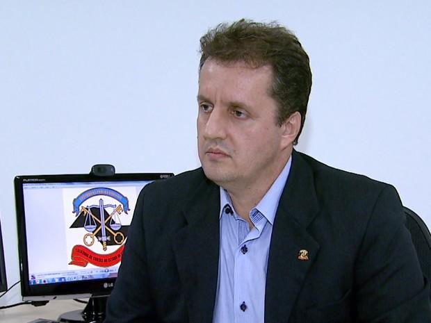 Diretor técnico do TCE Flávio Henrique Pastre participou de operação em Ribeirão Preto (Foto: Reprodução/EPTV)