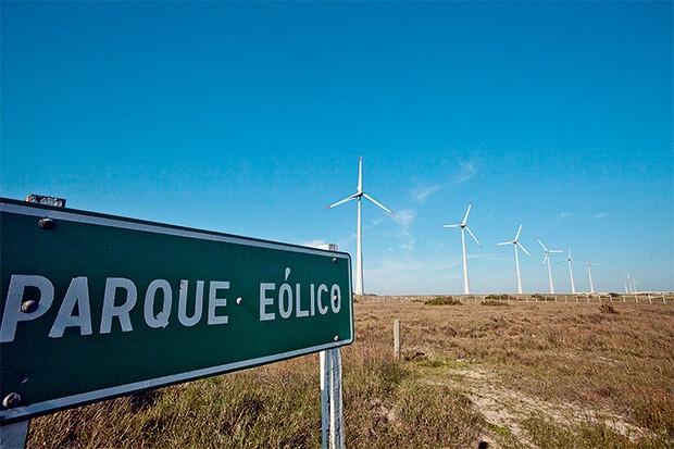 TERRA ESTRANHA Parque eólico em Cidreira, no Rio Grande do Sul. Padilha é o dono do terreno, que está em nome de subordinados (Foto: Claudio Fachel/Palácio Piratini)