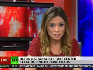 A apresentadora Liz Wahl pede demissão ao vivo no canal Russia Today (Foto: Reprodução/Youtube/RT)