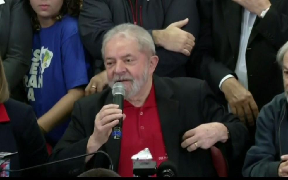 Lula fez pronunciamento público um dia após sentença de Moro que o condenou a 9 anos e meio (Foto: Reprodução/TV Globo)