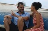 Maeve Jinkings e Carmo Dalla Vecchia gravam cena romântica na praia