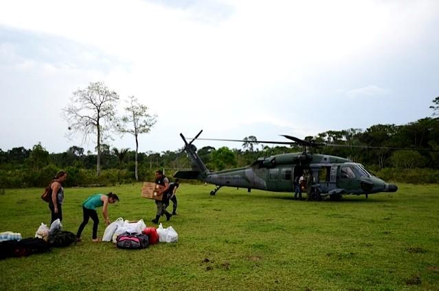 FAB ajuda no transporte de urnas para comunidades isoladas do Acre (Foto: João Evangelista Souza)