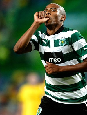 Elias comemora gol do Sporting (Foto: AFP)