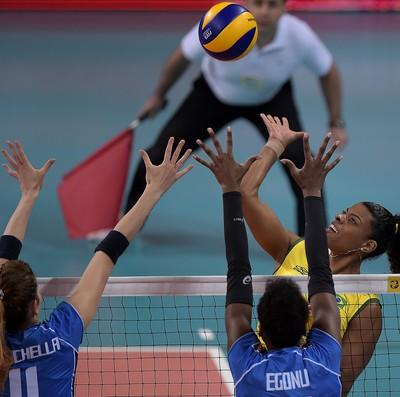 Vôlei Brasil x Itália Grand Prix  no Rio (Foto: Alexandre Loureiro/CBV)