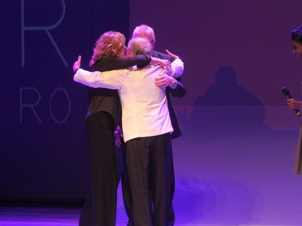 Patrícia Pillar e Marco Nanini com Ary Fontoura em prêmio de teatro na Zona Norte do Rio (Foto: Anderson Borde/ Ag. News)
