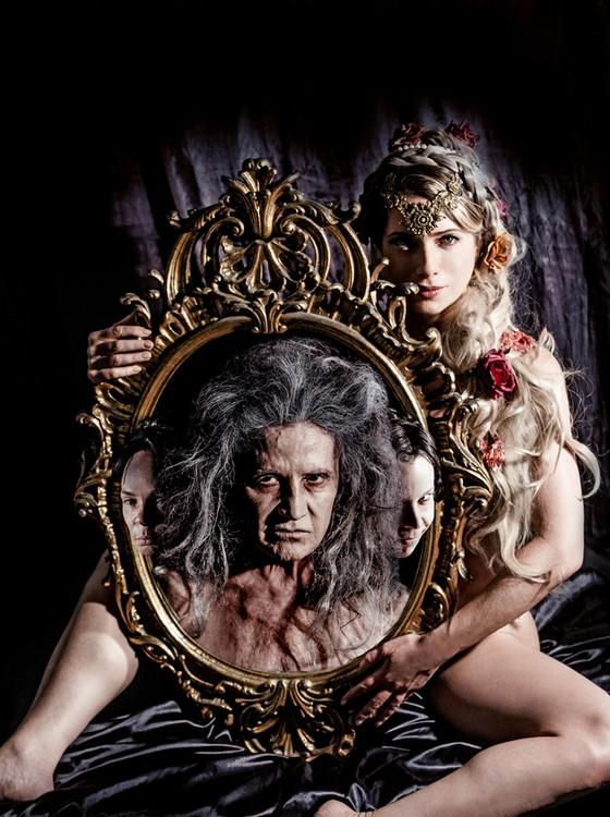 Leticia Spiller interpreta a prostituta Doroteia na peça dirigida por Jorge Farjalla (Foto: Carol Beiriz)