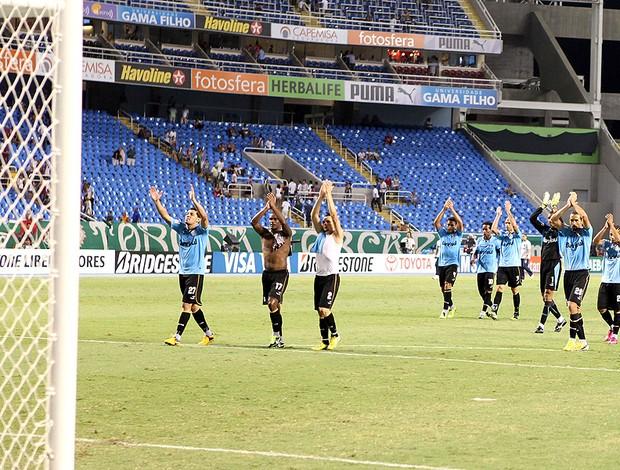 time do Grêmio celebra após vitória no Engenhão (Foto: Lucas Uebel / Site Oficial do Grêmio)