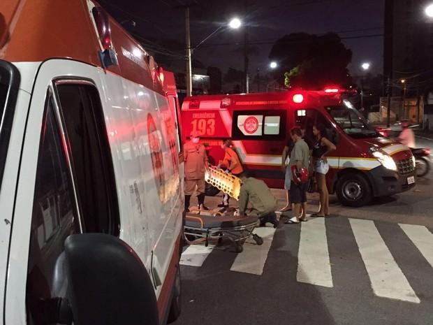 Acidente aconteceu no cruzamento entre as avenidas João Machado e Coremas, em João Pessoa (Foto: Walter Paparazzo/G1)